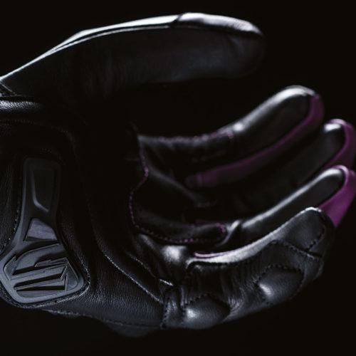 FIVE_rfx4_woman_black_purple_2019_focus_04