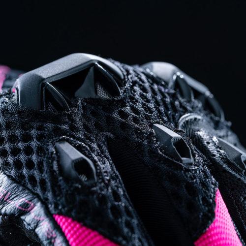 FIVE_stunt_evo_airflow_woman_black_fluo_pink_2020_focus_02