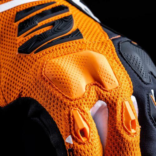 e2_orange_focus_4